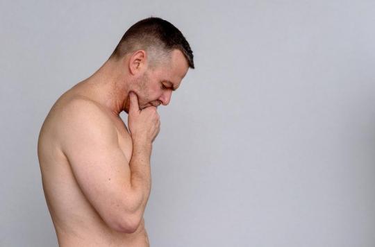 Dépôt blanchâtre autour du sexe, c'est le smegma